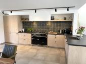 Küche mit Backoffen