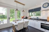 Helles  und offen Küche