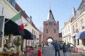 Sfeervol stadje Elburg met stadspoort