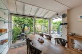 Open Küche mit Essbereich