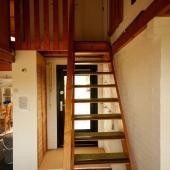 robuuste houten trap
