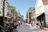 Sonnige Einkaufsstraße